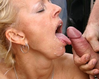 Two guys doing a horny mature slut